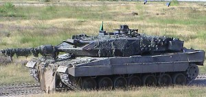 GSoA dürfte jubeln: Die Schweizer Armee in Auflösung (Foto eines der bewährten Leopard 2-Kampfpanzer, welche nach Kanada verscherbelt werden)