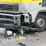 Tödlicher Unfall in Mägenwil +++ Heftiger Frontalzusammenstoß mit Tanklastwagen