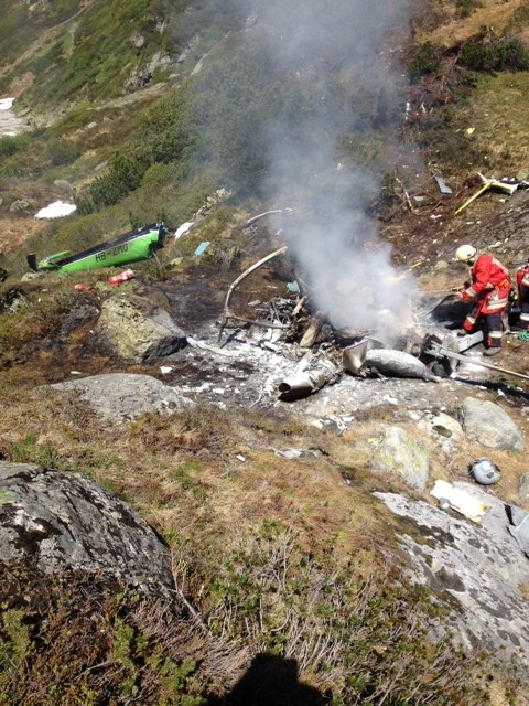 Polizeifoto Heli-Unfall Erstfeld: Alle 4 Passagiere kamen ums Leben