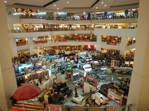 Erstes Einkaufszentrum mit bewilligungsfreier Sonntagsarbeit. (Symbolbild)