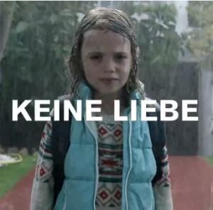 In einem kreativen Video thematisiert die Zürich-Versicherung der Thema Familie und Kinder (Bildschirmfotoausriß)