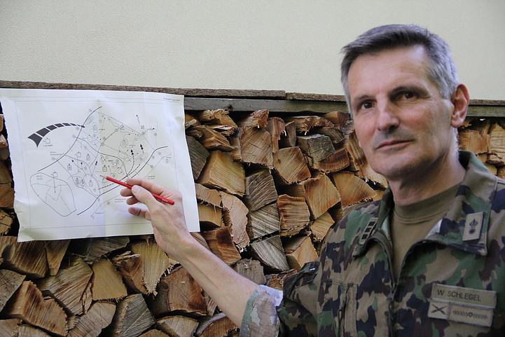 Gesamteinsatzleiter ist der Kommandant der Kantonspolizei Graubünden, Oberst Walter Schlegel