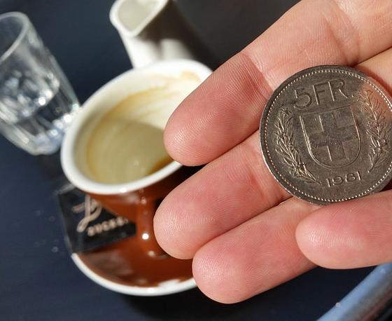 Bargeld ist das meistgenutzte Zahlungsmittel der Schweiz. In der Schweiz besteht eine ausgeprägte Bargeld-Affinität (Bild: Schweizer-Franken.ch)